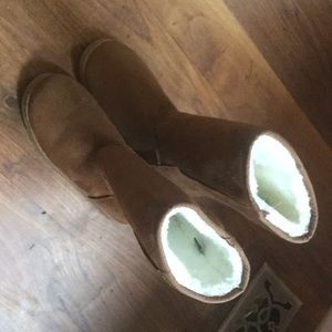 Shoes - Fake uggs